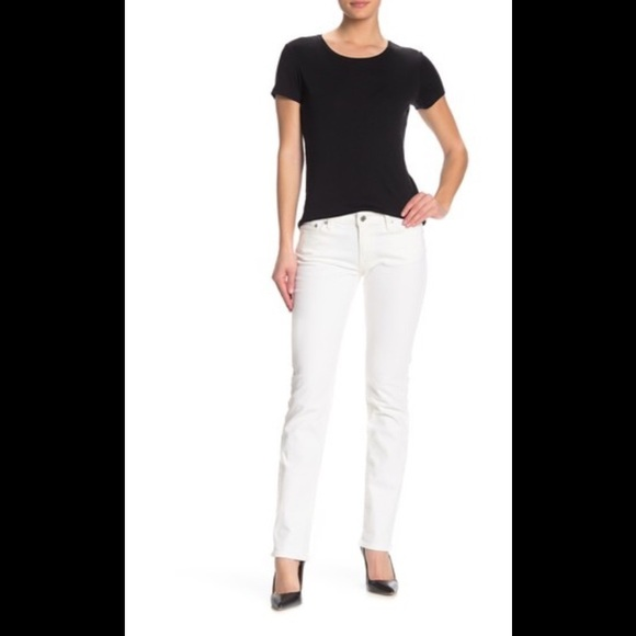 Lucky Brand Denim - Lucky Sweet N Straight white jeans in LNC size 6